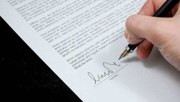 הפרת הסכם קניית דירה
