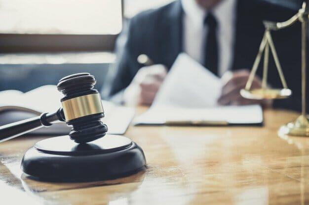 עורך דין לשון הרע – איך בוחרים?