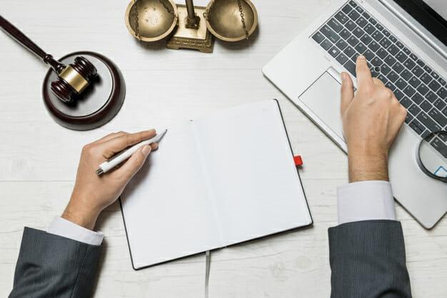 כיצד לבחור עורך דין הפרת הסכם
