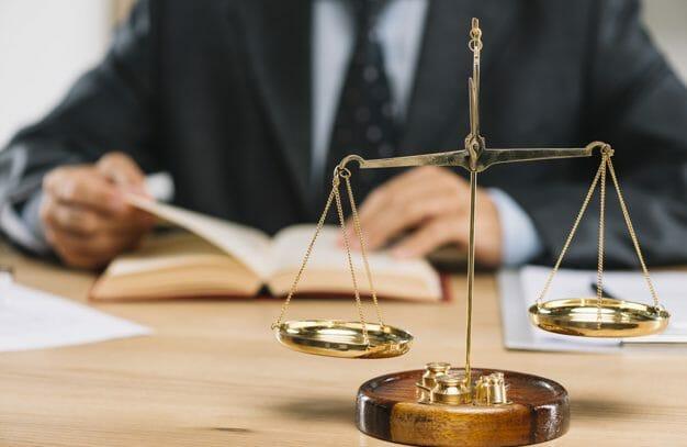 הפרת חוזה – מתי תוכלו לתבוע ולמה חשוב לשים לב